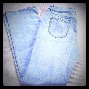 Womens size 1.5 Tall Chicos Jeans
